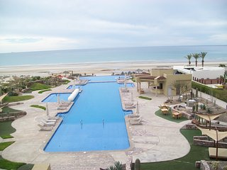 Encanto Living, Unit 303, 1 Bedroom, 2 Bath, Ocean Front Condo 1381 SF, WiFi, Puerto Penasco