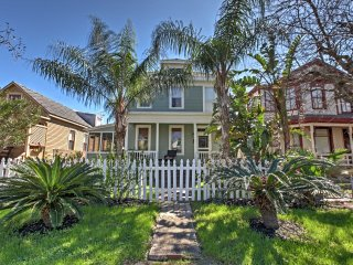 NEW! Historic 4BR Galveston Home - Walk to Beach!