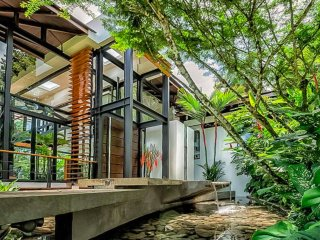 Architectural Masterpiece in Tropical Setting Near the Beach - The Villa Mariana