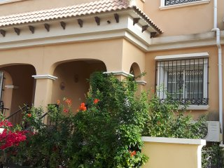Villamartin holiday family villa with shared pool sleeps 6 Wifi air con