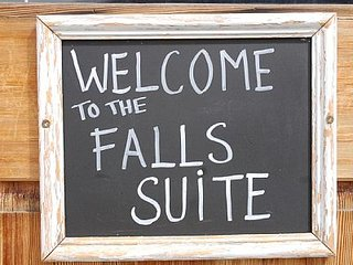 Falls Suite - Victoria Falls Guesthouse, Nelson