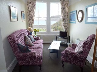 FLAT 5, first floor apartment, pet welcome, sea and village views, in Lynmouth,