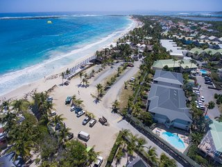 EDEN at CARIBBEAN PRINCESS C4, wonderful beachfront 2BR sleep six condo on 2nd, Orient Bay