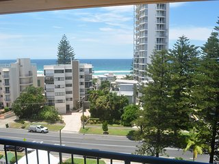 1 Bedroom apartment - near the beach - 6, Broadbeach