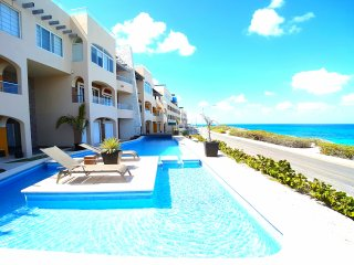 Luxury Oceanfront Condo Rooftop Pool 360° View