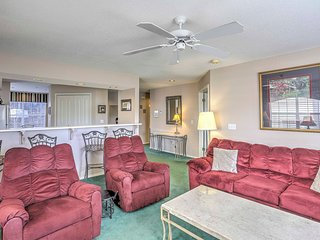 NEW! 2BR Branson Condo w/ Community Pool!
