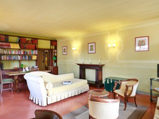 Splendid two room apartment on Florence's city roofs by Ponte Vecchio