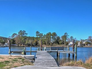 NEW! 1BR Beaufort Cottage Footsteps to the Marina!