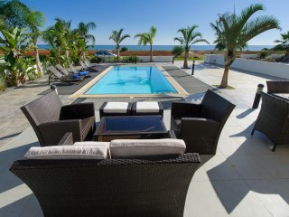 Cyprus In The Sun Celebrity Jordan Weekender Villas 3 Platinum