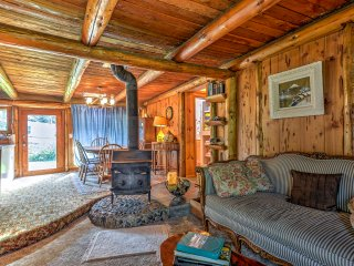 Rustic Bandon Log Cabin on 5 Acres of Woodlands!