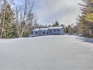 New! 3BR Gilford Home - 2 Minutes From Ski Resort!