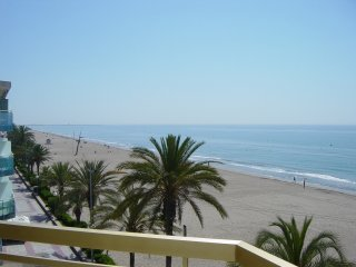 Luxury on the seafront pedestrian promenade Calafell, stunning views,