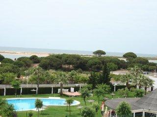 Ático en primera línea de playa,piscina y pádel, El Portil