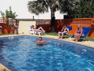 Luxueuse maison avec piscine, jardin et terrasse privés, á Nai harn, Phuket
