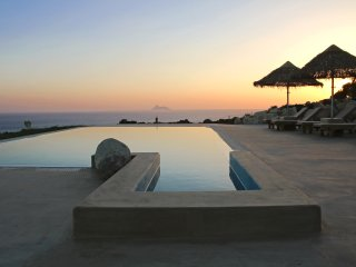 Luxury seafront villa Komos with stunning view,private pool,quiet,500m from sea