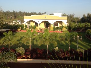Farm house - 4 acre estate for rent at Manneguda