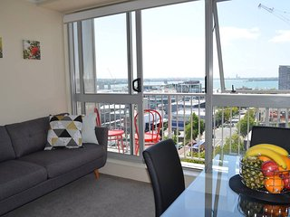 Cosy and Homey Two Bedroom-Stunning harbour views!, Auckland Central