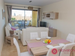 Very well furnished 2 bed apartment with good facilities