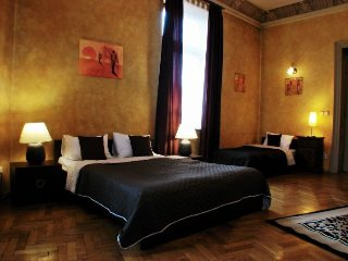 Touch of Africa apartment in Kazimierz {#has_luxu…, Cracovia