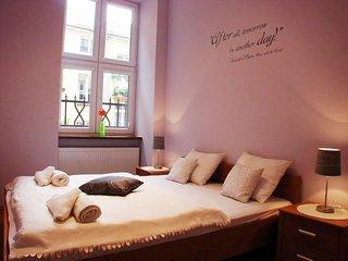 I'll be back apartment in Stare Miasto {#has_luxu…, Cracovia