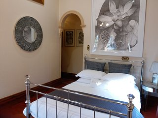 Crystal Suite, Grand Bluestone Mansion, North Adelaide, Adelaida