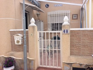 bungalow free wifi English tv close to sports bar swimming pool and restaurants, San Fulgencio