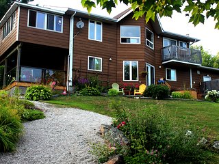 Laughing Waters Cottage Rental and/or Bed and Breakfast Blind River, Ontario
