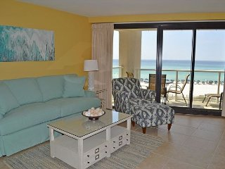 Great for 2 couples - new furniture throughout in beachfront, updated condo, Miramar Beach