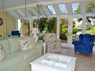 Sandestin villa with lake view, pool + amenities, and tram!, Miramar Beach
