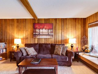 Dog-friendly ski condo near slopes & Utah parks! Ski lift right across street!, Brian Head