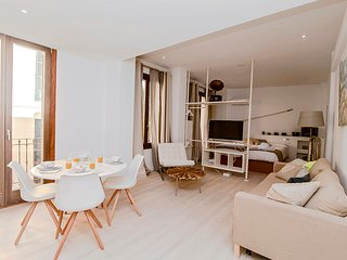 Can Blau 5. Deia. Cozy apartment in detail and comfort.