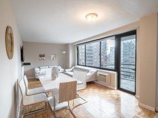 Upper West Side 2 bdr 1bath  Apt  (2112M)