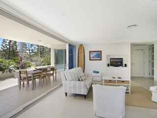 Neilson on the Park Unit 1A - Easy walk to beaches, cafes and shopping in