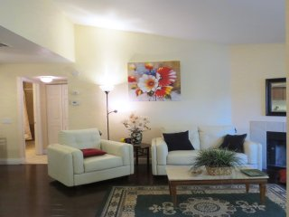 Luxury Condo Suite in fabulous Strip location, 24 hour guard gated and patrolled, Las Vegas