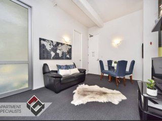 Two Bedroom Apartment in the Heart of Auckland!