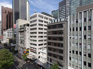 Modern One Bedroom on Queen St- Amazing location!, Auckland Central