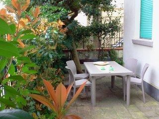 Appartamento con giardino 6 persone Lido di Camaiore a 200 metri dal mare