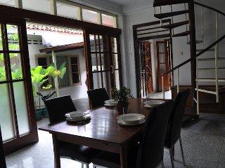 Bale Pandoem Townhouse (Guesthouse)