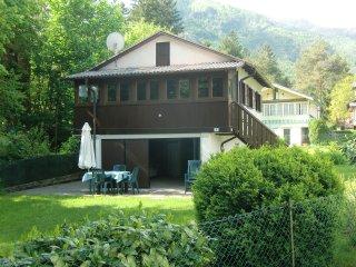 Casetta indipendente con giardino privato e veranda vista lago