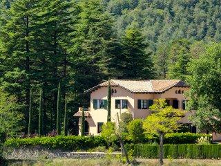 Magnífica casa de montaña con inmenso jardín HUT CC-000407 DC00