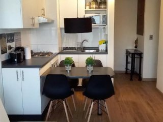 A8 Cozy, stylish, 2BD 2 BTH up to  6 pax