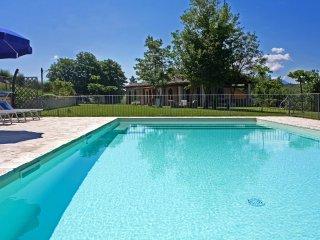 CASA EMANUELA - Private Villa with Pool, wi-fi, pet-friendly, panoramic view, Fermignano