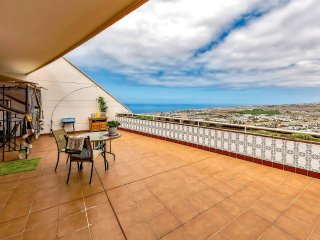 2 bed apartment with sea view, Costa Adeje