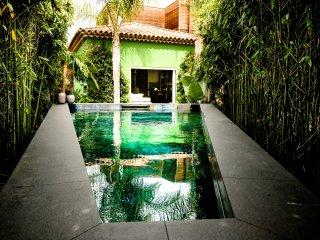 Villa d'exception antahkarana piscine et jardin