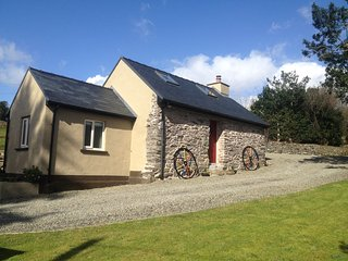 idyllic country retreat for two, newly renovated old stone cottage, Trafrask