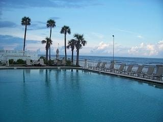 Daytona Beach Resort Ocean View  #914 Studio