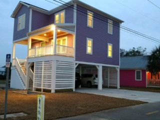BRAND NEW: Ocean and City Light View Home + Steps to Restaurants, Carolina Beach