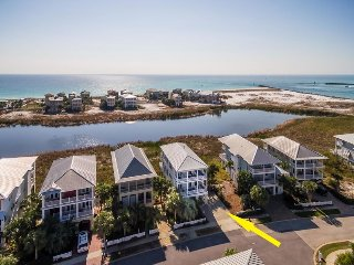 Stunning Vacation Home in Destin Pointe ~ Amazing Views ~ Close to Local Events