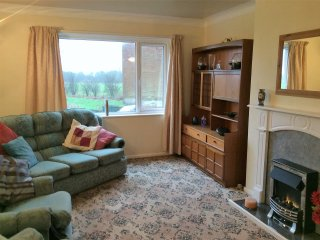 Private apartment with parking in Standish