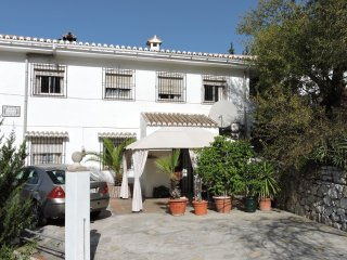 Casa Deon -  Studio Apartment free WiFi - Dogs Welcome - Shared Pool
